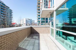 """Photo 24: 305 188 E ESPLANADE in North Vancouver: Lower Lonsdale Townhouse for sale in """"Esplanade at the Pier"""" : MLS®# R2457175"""