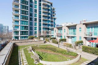 """Photo 30: 305 188 E ESPLANADE in North Vancouver: Lower Lonsdale Townhouse for sale in """"Esplanade at the Pier"""" : MLS®# R2457175"""