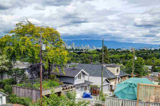 Photo 2: 3415 W 19TH Avenue in Vancouver: Dunbar House for sale (Vancouver West)  : MLS®# R2474663