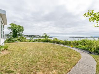Photo 29: 207 Beach Dr in Oak Bay: OB Gonzales Single Family Detached for sale : MLS®# 841882