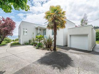 Photo 1: 207 Beach Dr in Oak Bay: OB Gonzales House for sale : MLS®# 841882