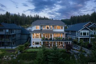 Photo 2: 2160 Champions Way in Langford: La Bear Mountain Single Family Detached for sale : MLS®# 843772