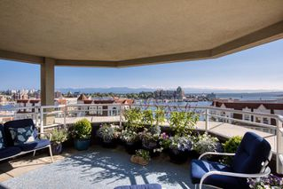 Photo 1: PH5 165 Kimta Rd in : VW Songhees Condo Apartment for sale (Victoria West)  : MLS®# 851684