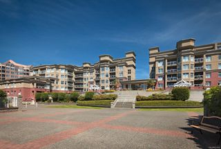 Photo 2: PH5 165 Kimta Rd in : VW Songhees Condo Apartment for sale (Victoria West)  : MLS®# 851684