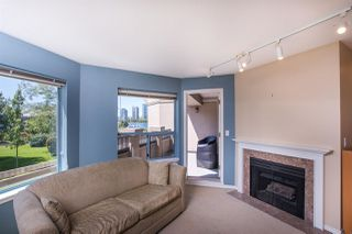 """Photo 3: 213 525 WHEELHOUSE Square in Vancouver: False Creek Condo for sale in """"Henley Court"""" (Vancouver West)  : MLS®# R2510479"""