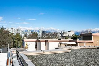 "Photo 18: 2210 WILLOW Street in Vancouver: Fairview VW Townhouse for sale in ""SIXTH + STEEL"" (Vancouver West)  : MLS®# R2388337"