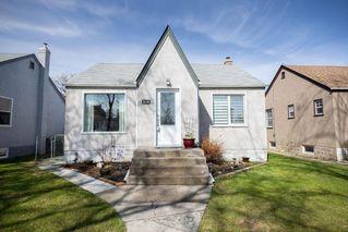 Photo 1: 219 St Anthony Avenue in Winnipeg: West Kildonan Residential for sale (4D)  : MLS®# 202009536