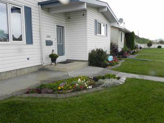 Photo 1: 15216 93 Street in Edmonton: Zone 02 House for sale : MLS®# E4196945