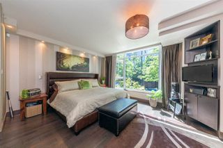 """Photo 7: 1225 W CORDOVA Street in Vancouver: Coal Harbour Townhouse for sale in """"CARINA"""" (Vancouver West)  : MLS®# R2489547"""