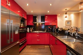 """Photo 5: 1225 W CORDOVA Street in Vancouver: Coal Harbour Townhouse for sale in """"CARINA"""" (Vancouver West)  : MLS®# R2489547"""