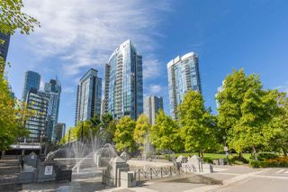 """Photo 15: 1225 W CORDOVA Street in Vancouver: Coal Harbour Townhouse for sale in """"CARINA"""" (Vancouver West)  : MLS®# R2489547"""
