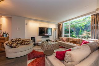 """Photo 2: 1225 W CORDOVA Street in Vancouver: Coal Harbour Townhouse for sale in """"CARINA"""" (Vancouver West)  : MLS®# R2489547"""