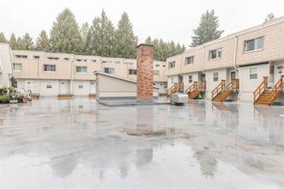 Photo 3: 4 33293 E BOURQUIN Crescent in Abbotsford: Central Abbotsford Townhouse for sale : MLS®# R2512681