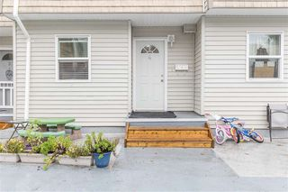 Photo 4: 4 33293 E BOURQUIN Crescent in Abbotsford: Central Abbotsford Townhouse for sale : MLS®# R2512681