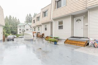 Photo 2: 4 33293 E BOURQUIN Crescent in Abbotsford: Central Abbotsford Townhouse for sale : MLS®# R2512681