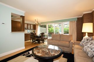 "Photo 5: 104 235 KEITH Road in West Vancouver: Cedardale Townhouse for sale in ""SPURAWAY GARDENS"" : MLS®# R2518546"