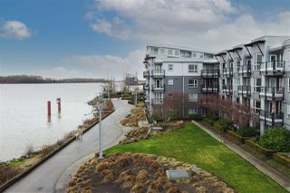 "Main Photo: 401 14100 RIVERPORT Way in Richmond: East Richmond Condo for sale in ""WATERSTONE PIER"" : MLS®# R2519103"
