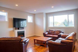 Photo 2: 6165 Strathcona Pl in : Na North Nanaimo Row/Townhouse for sale (Nanaimo)  : MLS®# 862309