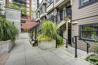 "Photo 13: 203 828 ROYAL Avenue in New Westminster: Downtown NW Townhouse for sale in ""Brickstone Walk"" : MLS®# R2388112"