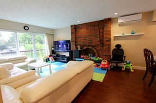 Photo 8: 3166 E 1ST Avenue in Vancouver: Renfrew VE House for sale (Vancouver East)  : MLS®# R2405003