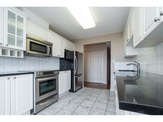 "Photo 7: 604 15466 NORTH BLUFF Road: White Rock Condo for sale in ""THE SUMMIT"" (South Surrey White Rock)  : MLS®# R2420204"