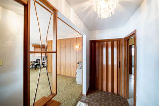 Photo 3: 10608 75 Street in Edmonton: Zone 19 House for sale : MLS®# E4203386
