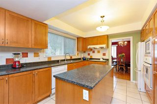 """Photo 7: 412 THIRD Avenue in New Westminster: Queens Park House for sale in """"Queens Park"""" : MLS®# R2470771"""