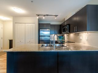 """Photo 9: 127 8915 202 Street in Langley: Walnut Grove Condo for sale in """"THE HAWTHORNE"""" : MLS®# R2474456"""