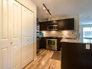 """Photo 7: 127 8915 202 Street in Langley: Walnut Grove Condo for sale in """"THE HAWTHORNE"""" : MLS®# R2474456"""