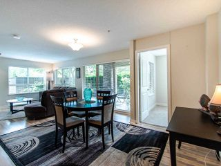 """Photo 5: 127 8915 202 Street in Langley: Walnut Grove Condo for sale in """"THE HAWTHORNE"""" : MLS®# R2474456"""