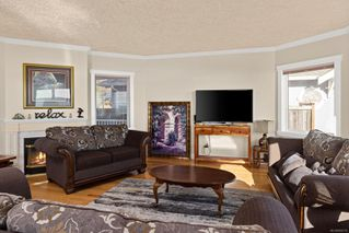 Photo 5: 9456 Lochside Dr in : Si Sidney South-East House for sale (Sidney)  : MLS®# 859710