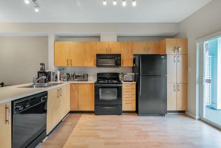 "Photo 4: 94 935 EWEN Avenue in New Westminster: Queensborough Townhouse for sale in ""COOPERS LANDING"" : MLS®# R2404335"