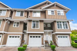 "Main Photo: 94 935 EWEN Avenue in New Westminster: Queensborough Townhouse for sale in ""COOPERS LANDING"" : MLS®# R2404335"