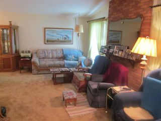 Photo 2: 3619 108 Street in Edmonton: Zone 16 House for sale : MLS®# E4173957