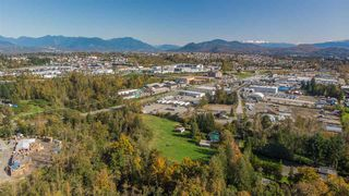 Photo 18: 30189 OLD YALE Road in Abbotsford: Aberdeen House for sale : MLS®# R2412392