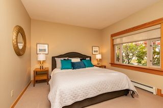"""Photo 11: 206 550 17TH Street in West Vancouver: Ambleside Townhouse for sale in """"THE HOLLYBURN"""" : MLS®# R2419647"""