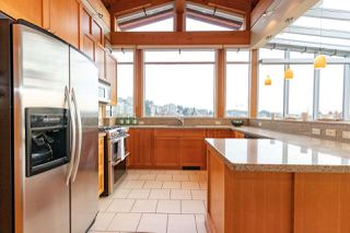 """Photo 16: 206 550 17TH Street in West Vancouver: Ambleside Townhouse for sale in """"THE HOLLYBURN"""" : MLS®# R2419647"""