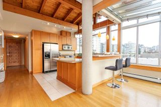 """Photo 2: 206 550 17TH Street in West Vancouver: Ambleside Townhouse for sale in """"THE HOLLYBURN"""" : MLS®# R2419647"""
