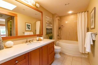 """Photo 13: 206 550 17TH Street in West Vancouver: Ambleside Townhouse for sale in """"THE HOLLYBURN"""" : MLS®# R2419647"""