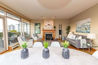 """Photo 7: 206 550 17TH Street in West Vancouver: Ambleside Townhouse for sale in """"THE HOLLYBURN"""" : MLS®# R2419647"""