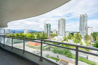Photo 1: 805 13303 CENTRAL Avenue in Surrey: Whalley Condo for sale (North Surrey)  : MLS®# R2426189