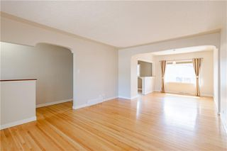 Photo 8: 37 CADOGAN Road NW in Calgary: Cambrian Heights Detached for sale : MLS®# C4294170