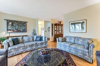 Photo 6: 20 140 STRATHAVEN Circle SW in Calgary: Strathcona Park Semi Detached for sale : MLS®# C4306034