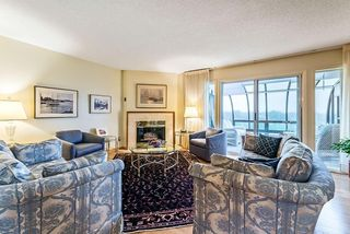 Photo 5: 20 140 STRATHAVEN Circle SW in Calgary: Strathcona Park Semi Detached for sale : MLS®# C4306034