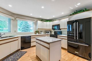 Photo 12: 20 140 STRATHAVEN Circle SW in Calgary: Strathcona Park Semi Detached for sale : MLS®# C4306034
