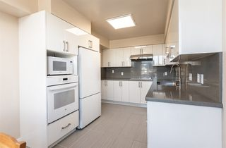 """Photo 15: 505 2020 HIGHBURY Street in Vancouver: Point Grey Condo for sale in """"HIGHBURY TOWER"""" (Vancouver West)  : MLS®# R2483303"""
