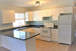 Photo 3: 580 Niagara St in : Vi James Bay Quadruplex for sale (Victoria)  : MLS®# 854236