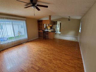 Photo 3: 406 Westview Close in Edmonton: Zone 59 Mobile for sale : MLS®# E4214169