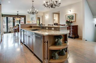 Photo 6: 216 11 Street NW in Calgary: Hillhurst Semi Detached for sale : MLS®# A1033762