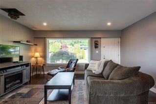 Photo 3: 663 Glenalan Rd in : CR Campbell River Central House for sale (Campbell River)  : MLS®# 857176